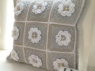 Floral pillow.
