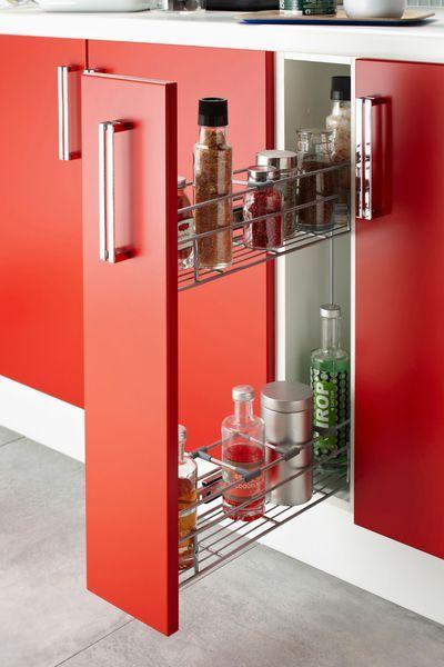 pratique le tiroir coulissant pour ranger les bouteilles en photo meuble de cuisine