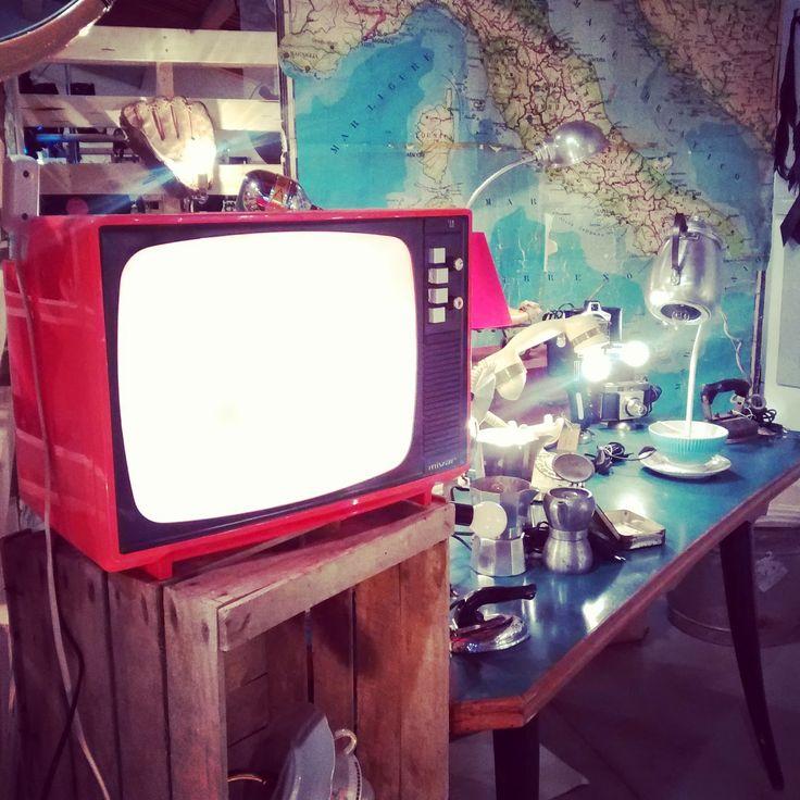 miss lamparita seventies TV lamp