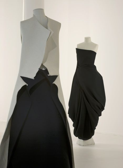 An exhibition of work by Japanese fashion designer Yohji Yamamoto has opened at the V museum in London.