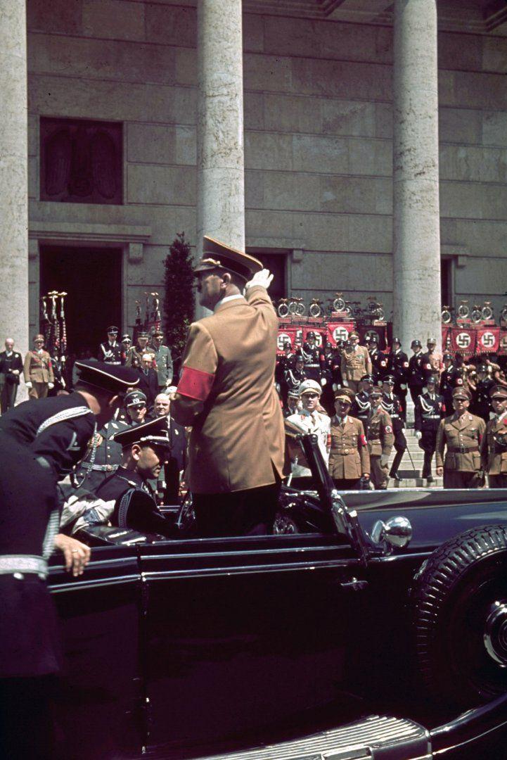 Hitler outside Munich's Haus der Kunst 1939