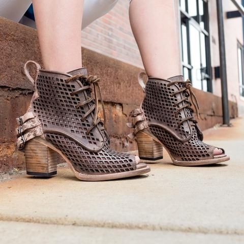 Embrace the sunshine with unique women's sandals by FREEBIRD. Shop an array  of rustic inspired styles including flat leather gladiators & lace up  sandals.