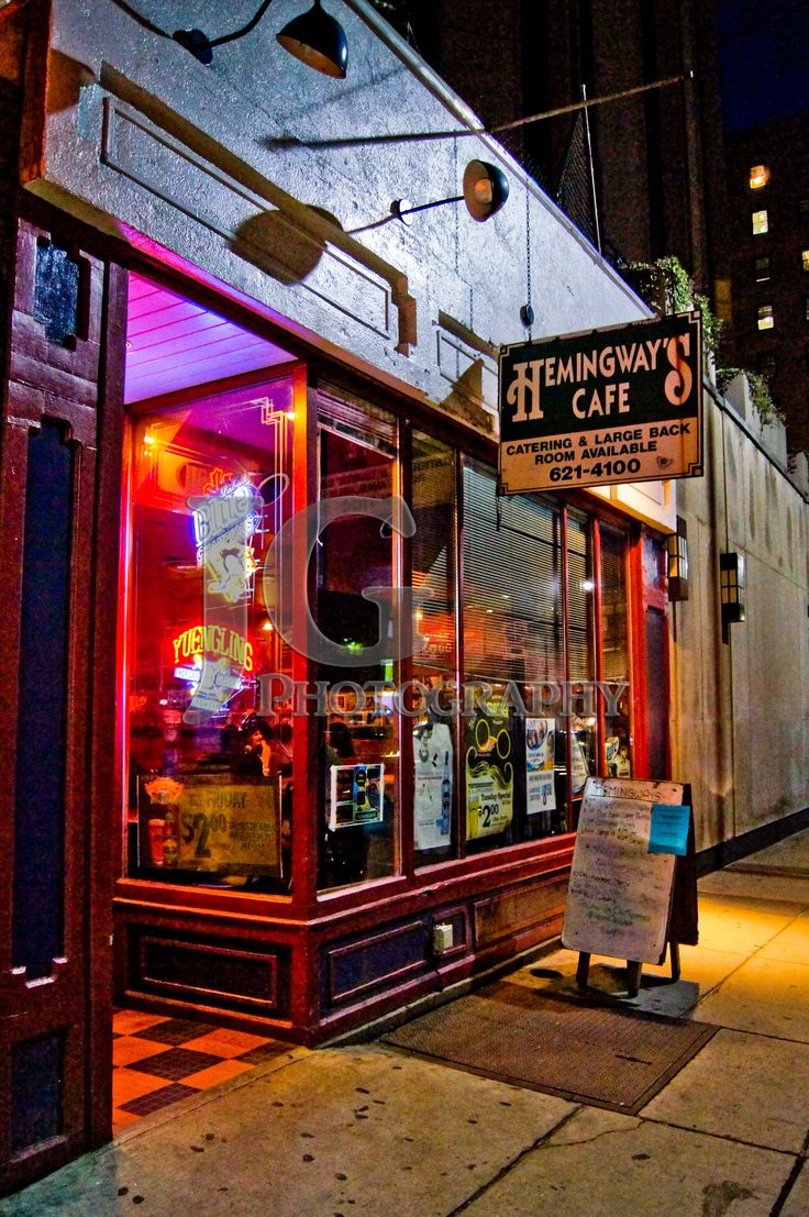 Hemingway's Cafe (Pittsburgh, University of Pittsburgh, bar, night, lights, Pitt) JG Photography ©