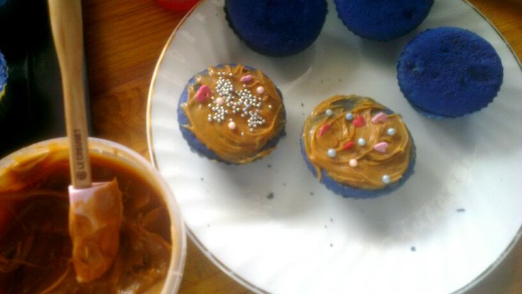 #bluevelvetcupcakes #caramel as icing ,i like this mix because they dont make it sweet