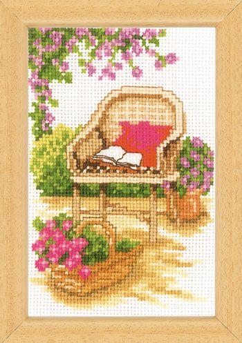 Giardino con panchina 3