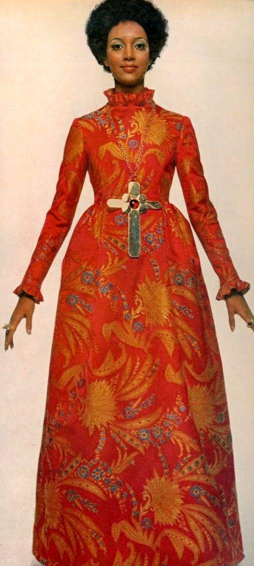 Mode Avondjurken.1969 Fashion Sixties Fashion Fall Winter