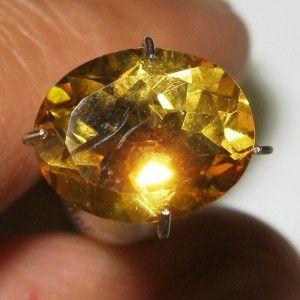 Citrine Oval 2.51 carat bercahaya terang indah