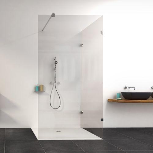 Style Concept is een subtiele combinatie van hoogwaardige materialen en de modernste lasertechnologie. Het resultaat: een bijzonder aantrekkelijke en evenwichtige douche waarbij glas en scharnieren in elkaar kunnen vloeien.
