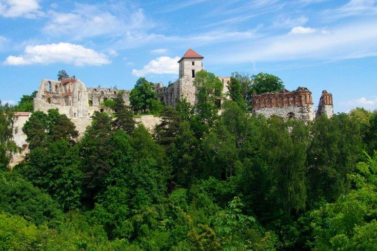 Wieża góruje nad okolicą... Zamek Tenczyn w Rudnie