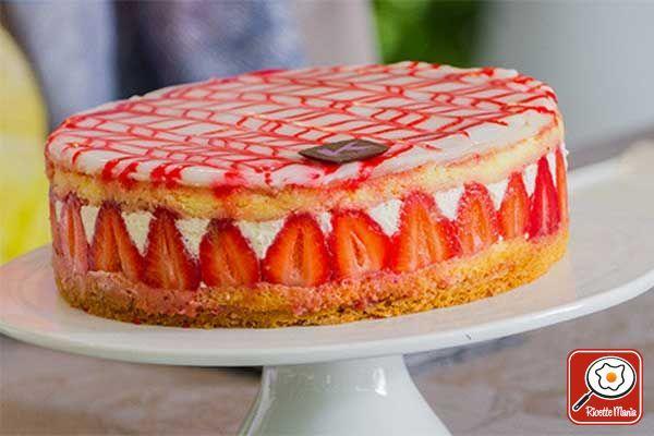 Torta fraisier - Ernst Knam: Per la sablè Lavorare i tuorli assieme allo zucchero con le fruste elettriche, aggiungendo sia il sale che la buccia grattugiata del