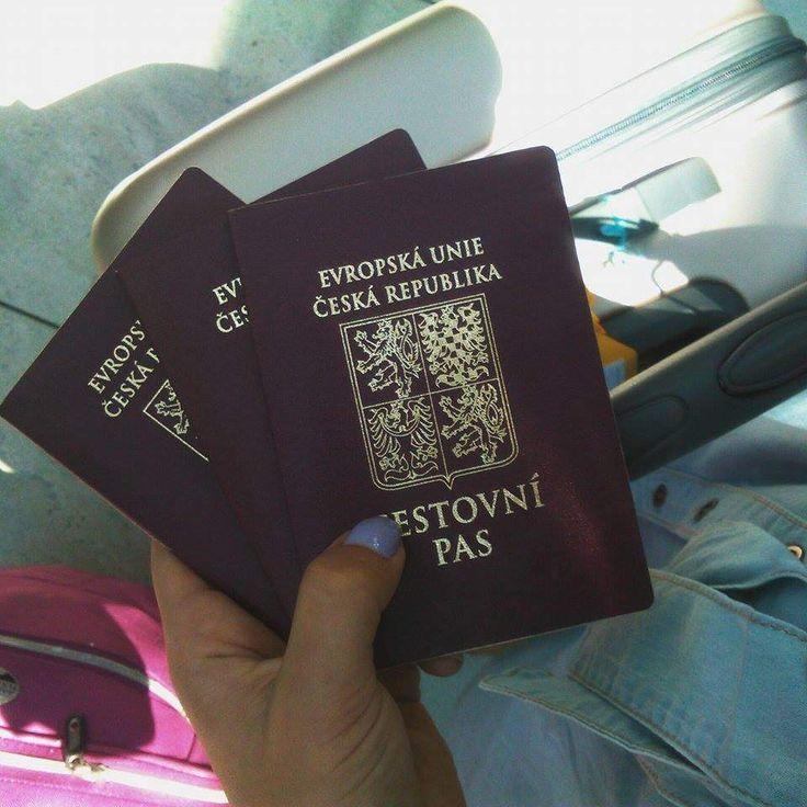 #Flight #Aeroport #Suitcase #Janessuitcase #Travelling #Czech #Pases