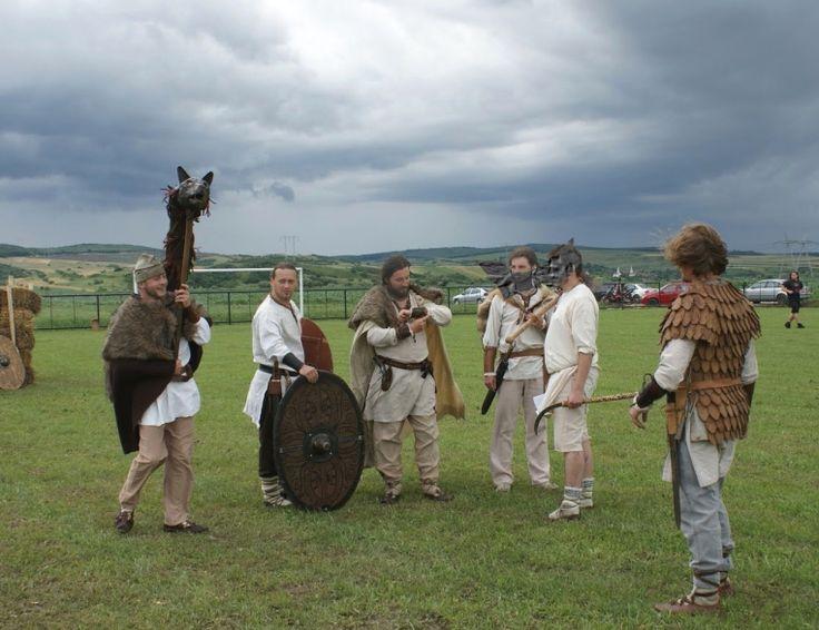 getae-dacians geto-dacii romanians men dacia draco lupul dacic wolf