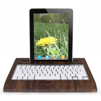 Wooden iPad Station. Designed with built-in storage beneath the keyboard, it's suitable for use with all iPad writing apps. #gadgets #ipad #innovation
