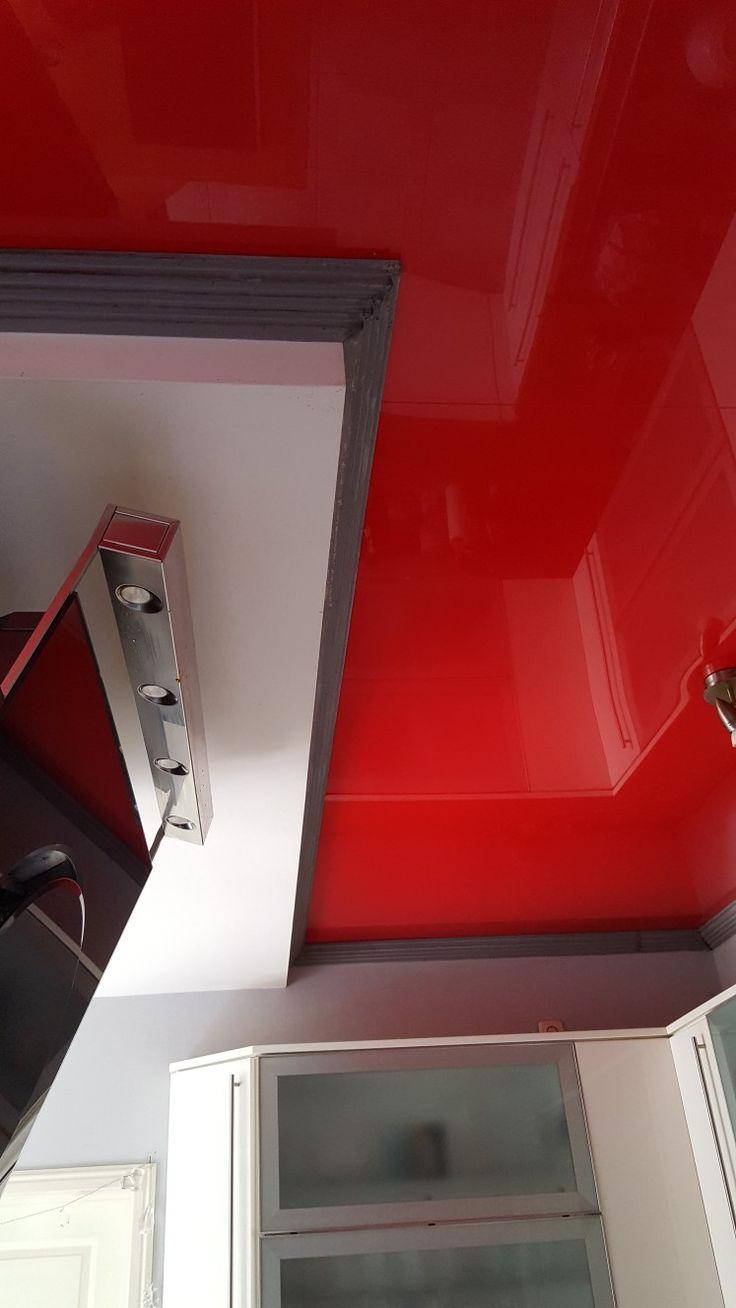 Cool Rote Lackspanndecke im K chenbereich Www kretschmer spanndecken de