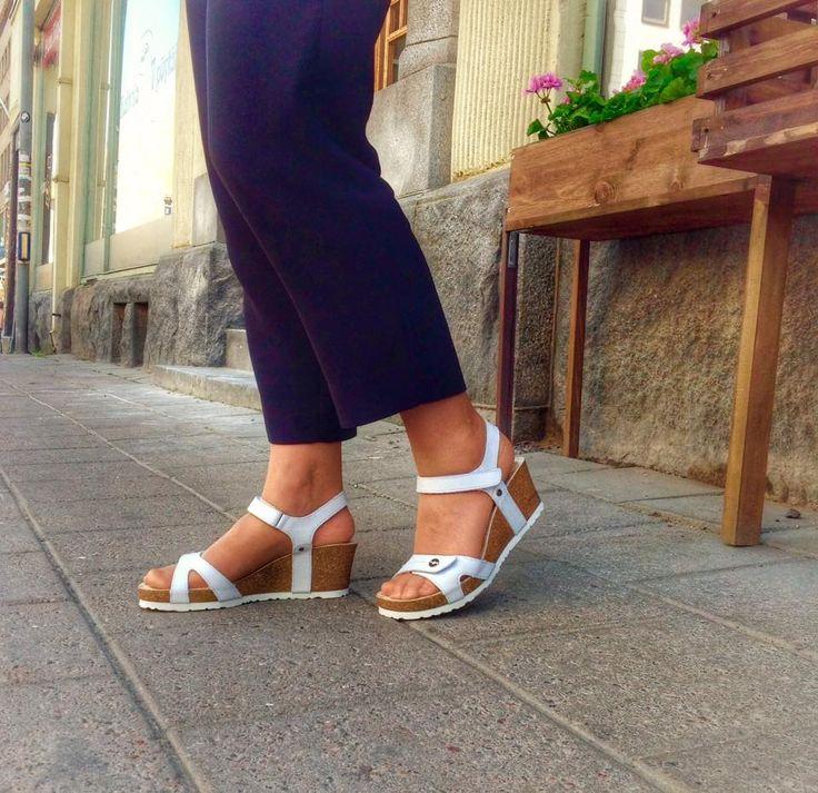 Panama Jackin Julia-kiilakoroissa on hyvä kävellä #panamajack #highheels #goodshoes #readyforsummer