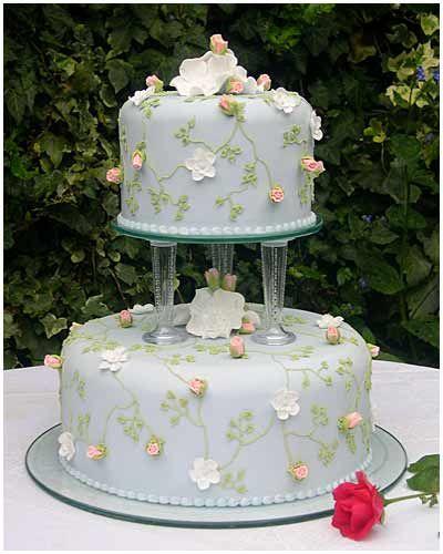 Simply elegant wedding cake.