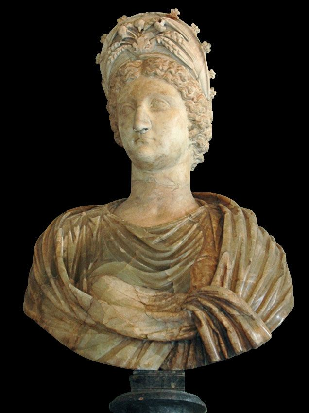 Livia, wife of Augustus, mother of Emperor Tiberius, Roman bust (marble), 1st century AD, (Palazzo Nuovo, Rome).