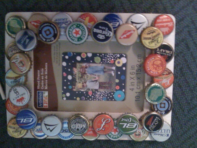 17 best images about craft ideas with beer bottle tops on for Beer bottle picture frame