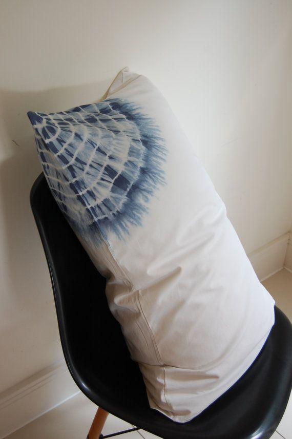 Navy blue & cream Shibori binding pattern hand dyed cotton pillowcase