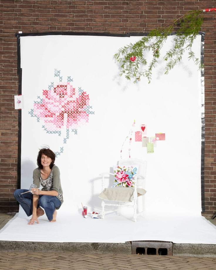 Rose cross stitch mural with artist eline pellinkhof and for Acheter crucifix mural