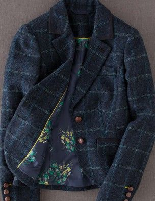 Boden British Tweed Blazer is great for making an outfit go from casual to professional.