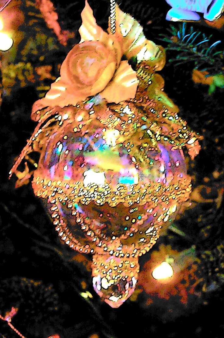 Victorian style christmas tree ornaments - Victorian Style Handmade Glass Christmas Ornament With Floral Arrangement Decoration