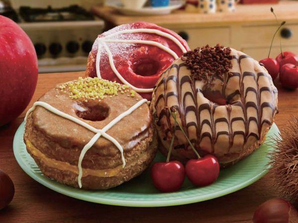 """ミスドのクロナツ「Mr.CroissantDonut」に秋の新味!""""アップル&カスタードホイップ""""など"""