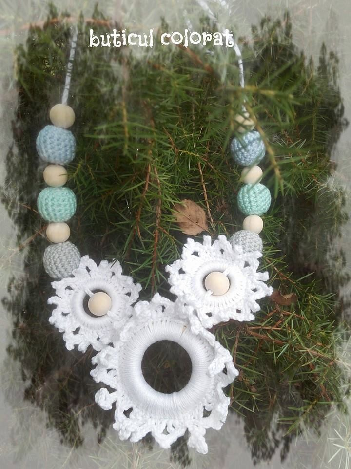 Nursing necklace, snowflakes crochet, crochet beads, baby friendly, teething toy, frozen colour by ButiculColorat on Etsy