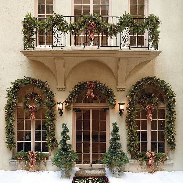 229 best christmas porches images on pinterest christmas Outdoor christmas garland ideas