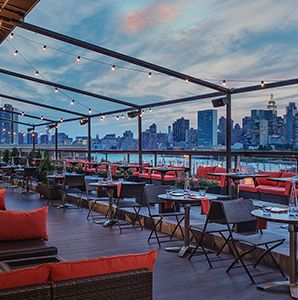 Best Roof Top Bars in NYC - I don't know 2 of my favorites are missing - Rare View and Upstairs @ The Kimberly. I think they got a few wrong :/