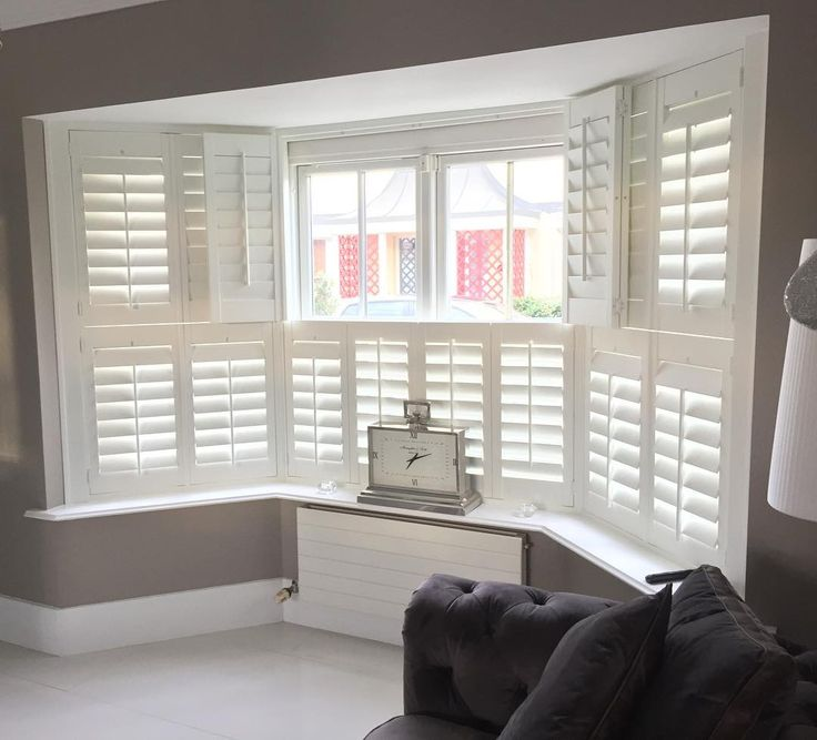 One of our jobs completed in Portmarnock. Tier on tier shutters are an ideal way to keep your privacy and still allow in the morning sun. #portmarnock #happyclients #dublinhomes #tierontiershutters #shutters #shutterco #newhampshireinteriors #irishinteriors #baywindow #bespokefurniture #monkstown #familybusiness #recent
