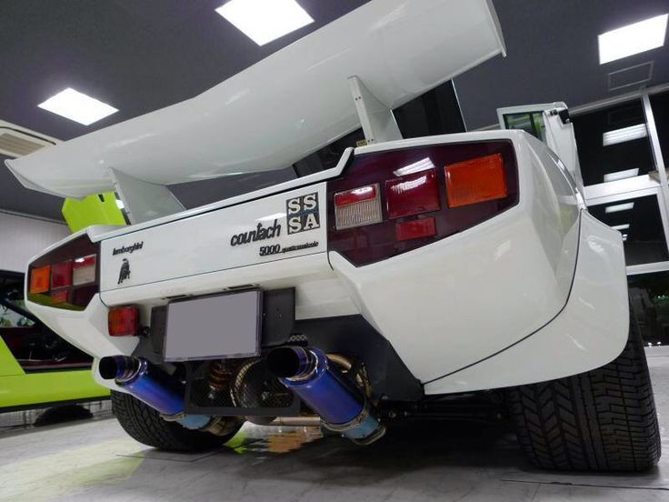 Executive Auto Shippers Here is how we Transport. #LGMSports haul it with http://LGMSports.com Countach