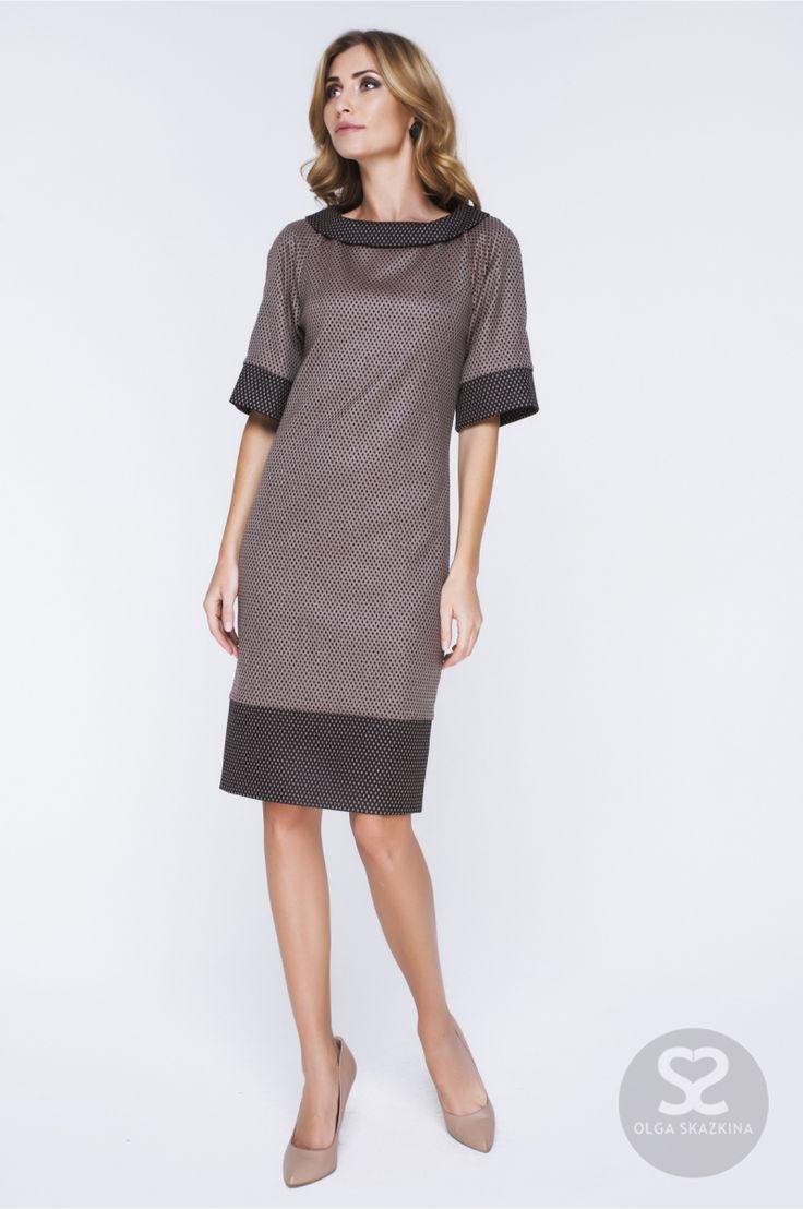 Удобное прямое платье из костюмной ткани от дизайнера.   Skazkina