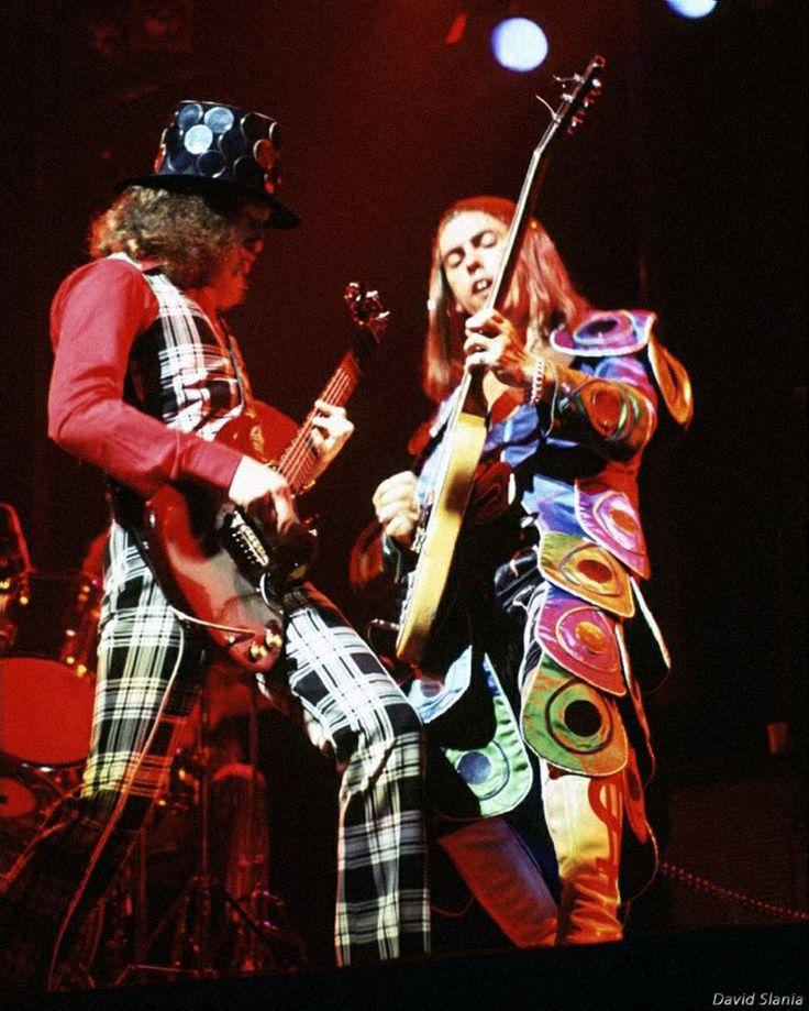 Noddy Holder & Dave Hill | Slade - Slade - gotta love them. Rush to youtube now! #darlingbehomesoon #WickhamMossrite
