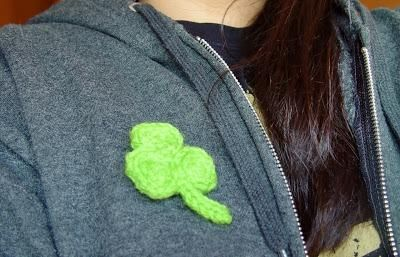 DIY St. Patrick's  : DIY Knit Shamrock Pin