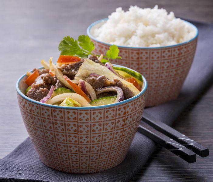 Yum Nua (hideg főétel) // csipős szósz, újhagyma, koriander, citrom, menta, uborka, marha