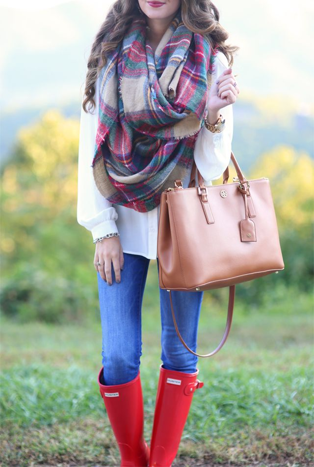 Cute fall outfit with red hunter boots