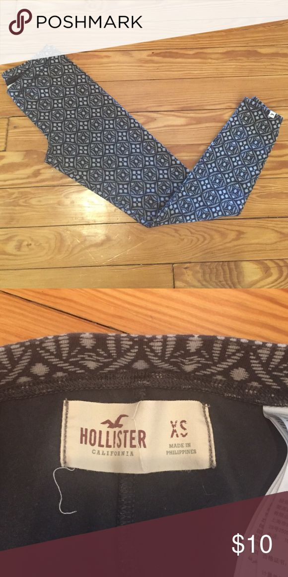 Hollister leggings Gently used printed Hollister leggings. Excellent condition. Hollister Pants Leggings