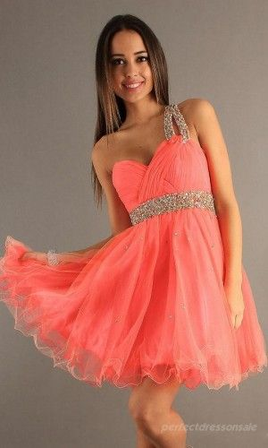 Homecoming Dress.. omg in love with it... maybe I can ask for it for my last year of homecoming.. plz mom:)