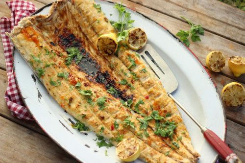 Whole Snoek with Apricot, Chilli and Ginger Glaze Serves 6 | Preparation time 10-15 minutes | Cooking time 15-20 minutes WHAT YOU'LL NEED