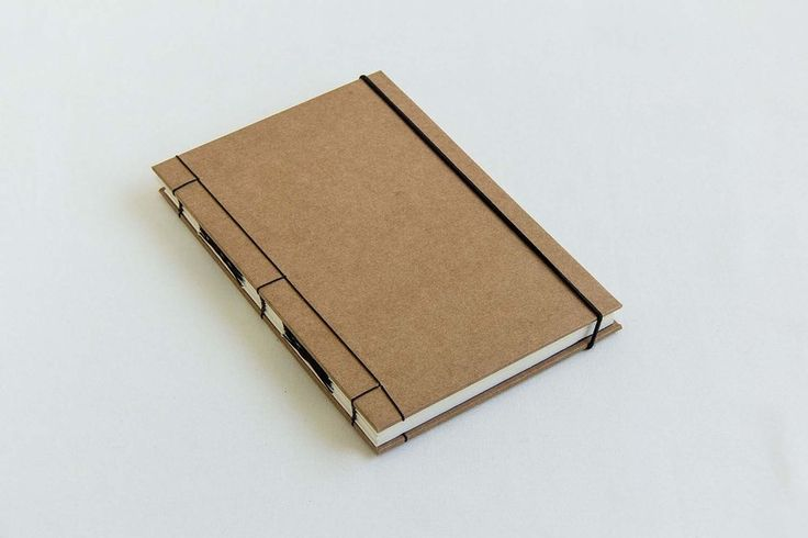 Sketchbook artesanal costura exposta kraft com preto