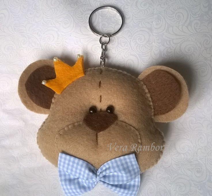 Chaveiro urso  Confeccionado em feltro com detalhe em tecido  Pode escolher a cor dos detalhes