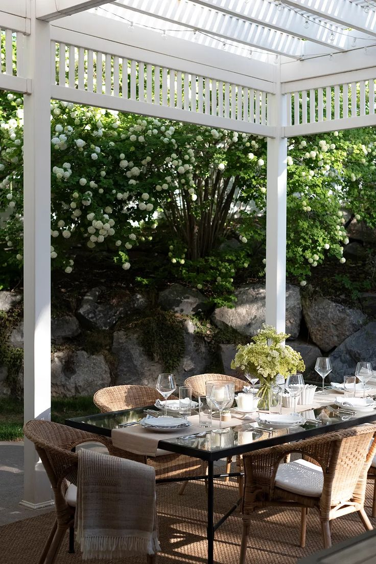 My 2021 Outdoor Living Tour - Room for Tuesday Blog Outdoor Areas, Outdoor Plants, Outdoor Seating, Outdoor Rooms, Outdoor Dining, Outdoor Decor, Outdoor Bar Cart, Window Planters, Outdoor Projects