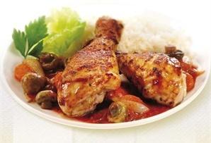 Kurczak z pieczarkami / Chicken with mushrooms - soczyste nogi z kurczaka z dodatkiem marchewki, cebuli i pieczarek w czosnkowo-ziołowej przyprawie.