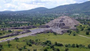 Robot našel pod mexickou pyramidou tajemné zlaté koule