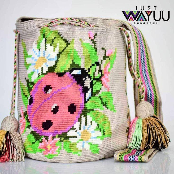 208 отметок «Нравится», 2 комментариев — Just Wayuu (@just.wayuu) в Instagram: «Handcrafted handbags made by indigenous wayuu in the north of Colombia. Worldwide shipping – envíos…»