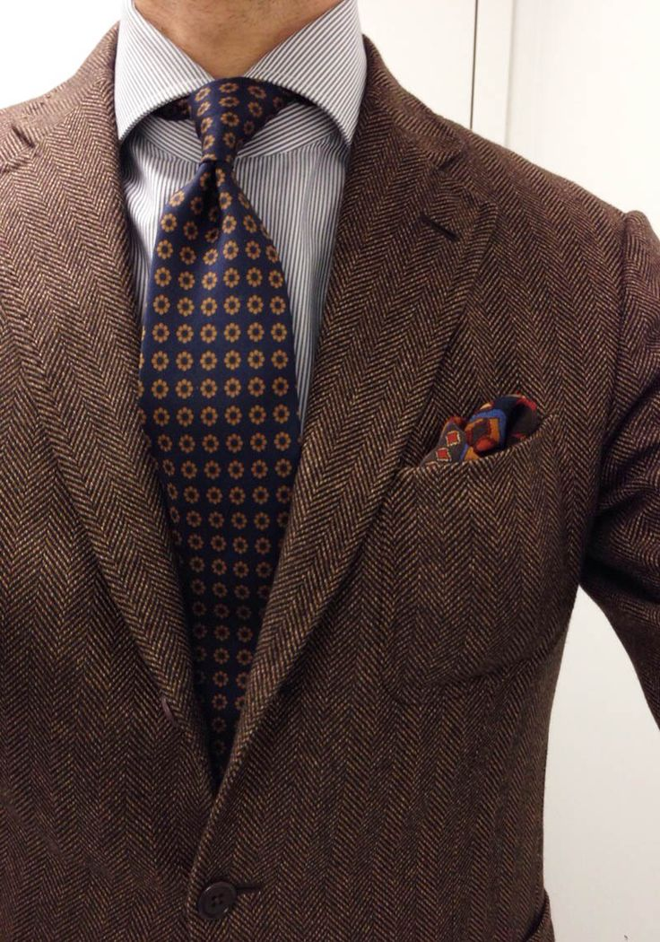 Fashion Inspiration For Men Herringbone Jacket With Floral Tie Fvarpaia Style 洋服 ملابس رجال Pinterest Suits Tie And