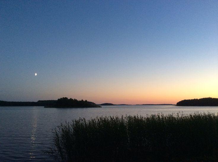 Elokuun ilta - august evening