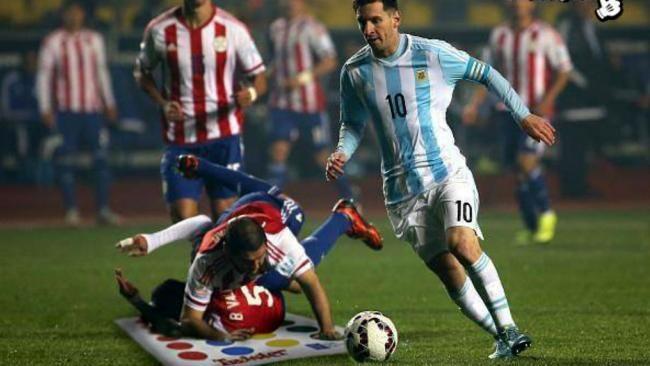 Los memes de la jugada de Messi ante Paraguay desparramando jugadores   Día a Día