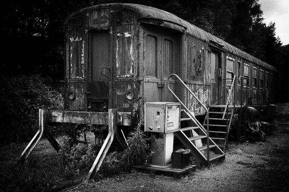 Nieuw in mijn Werk aan de Muur shop: verlaten trein1